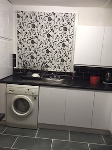 Stylish central terraced house with  lovely  views - Bacup - Hus