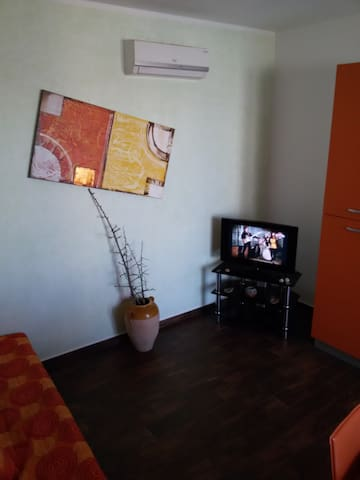 Lovely flat with parking place - Casamassella - Casa