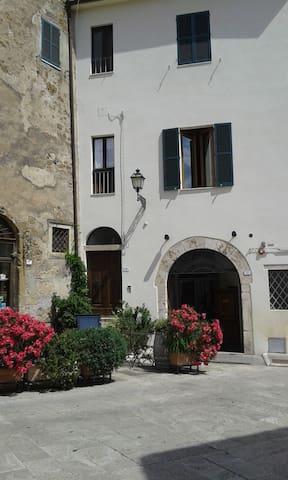 Appartamento con vista sull'(URL HIDDEN) mediceo - Pitigliano - Huoneisto