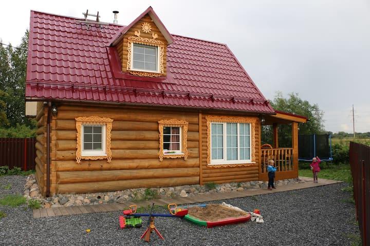 Гостевой дом на озере - Lyubovskoye - Hus