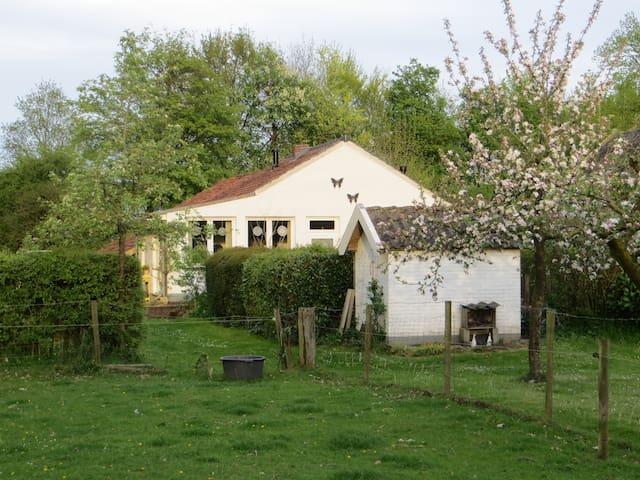 Mooie boerderij cottage; Klein Geer - Heythuysen - Kulübe