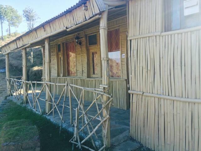 Premium lodge In the Lap of Nature - Shoghi