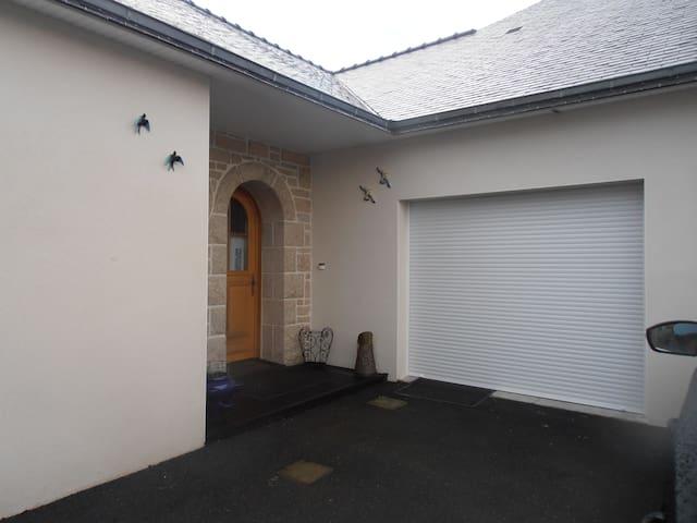 studio  et chambres  entre mer et campagne - Surzur - Huis