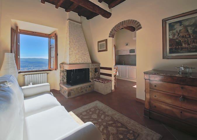 Duplex apt with amazing views - Barberino Val D'elsa - Departamento
