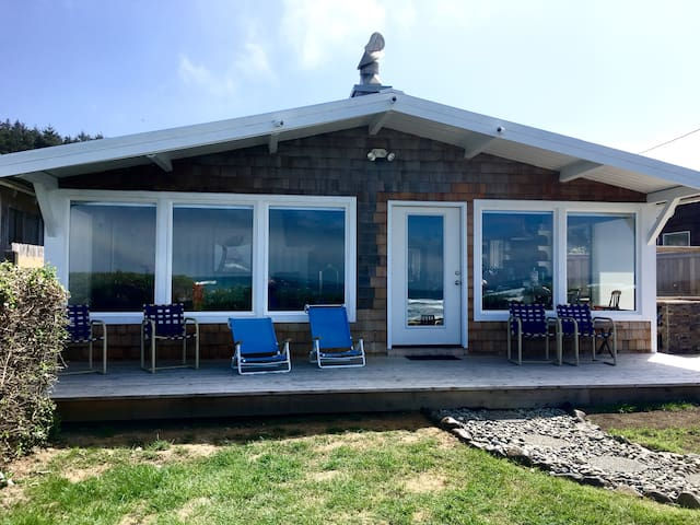 Arch Cape Oceanfront Chateau: Fresh, Clean, Luxury - Arch Cape
