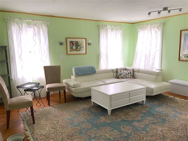 4-Bedroom 2-Story Beverly Farms Seaside Getaway - Beverly - Appartement
