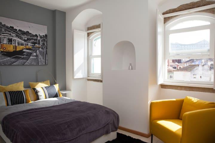 Elegant & Modern Flat UNESCO World Heritage - Coimbra - Daire