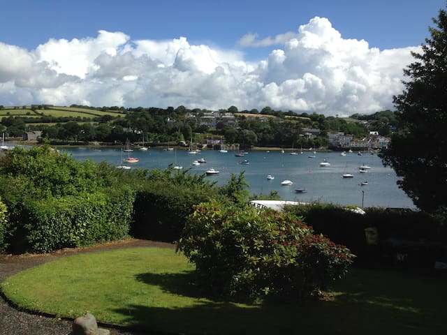 Luxury Apartment with stunning views - 法爾茅斯(Falmouth)