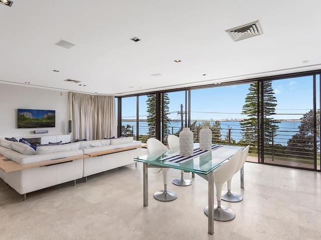 The Resort Heated Pool Beachfront With Ocean Views - Brighton-Le-Sands - Hus