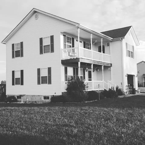 Getaway near Fort Knox / University of Louisville - Vine Grove - Casa