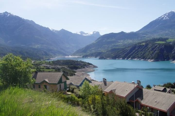 Maison Port Saint Pierre vue sur le lac de S-P - Réallon - Alojamiento vacacional