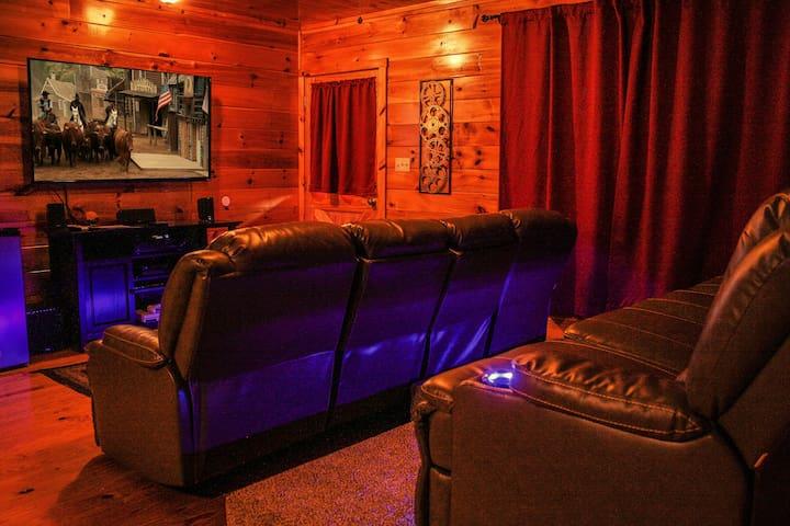 Ole Smoky Rodeo Luxury Cabin, Cinema Theatre - Sevierville - Hus