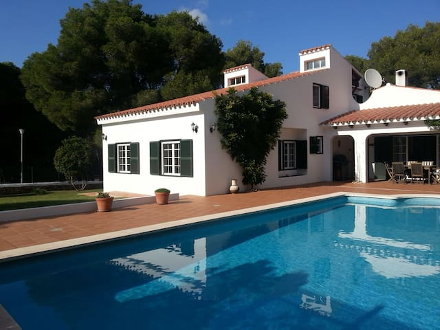 Rooms in a villa - pool,sea,garden - Son Parc - Bed & Breakfast