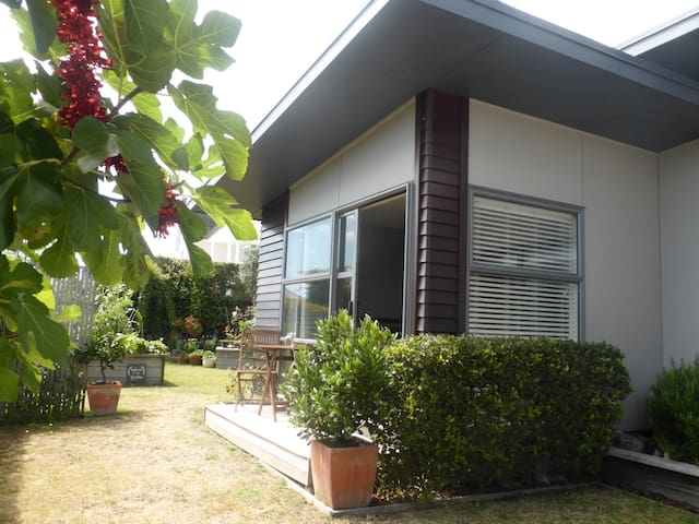 Quiet and Self-Contained in Bethlehem - Tauranga - Bed & Breakfast