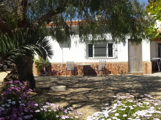 1 bedroom, Peaceful, Pool, Large Garden, WiFi. - Vera - Departamento