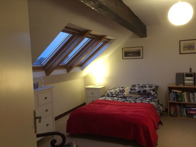 Double room near to the Lakes, Dales and the coast - Milnthorpe