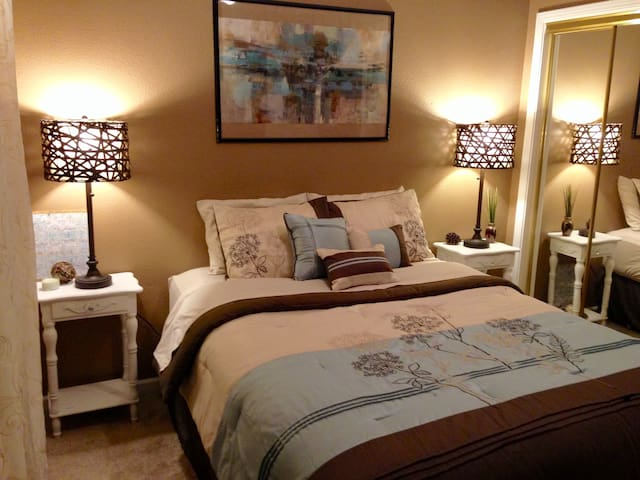 Lovely Bedroom in Safe Neighborhood+Home Gym - Gilroy