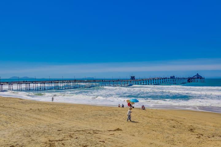 Right On the Sand! Enjoy Beachfront Living! - インペリアルビーチ - 一軒家