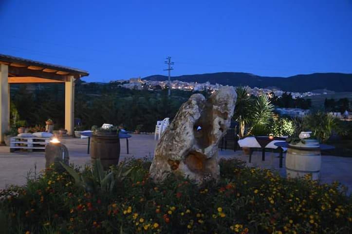 """Dormire in cantina"" - Sambuca di Sicilia - Bed & Breakfast"