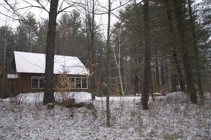 Private Room in Charming Adirondack Home - Wevertown - Casa