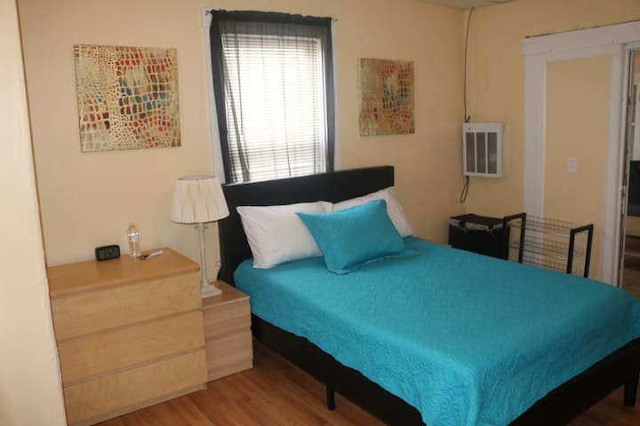 Resting Place - Bedroom for Two, Affordable. - Worcester - Casa
