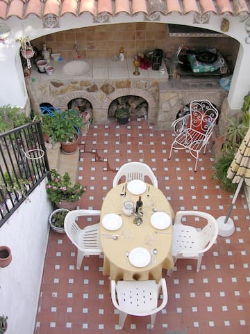 Charming old town house - Oliva - Rumah