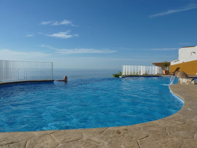 Penthouse Apartment with Breathtaking View, Pool - Benitachell