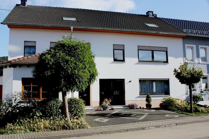 Ferienhaus Fisch - Schoden - Casa