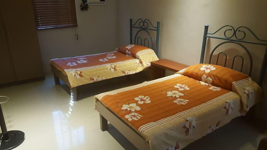 Blissful Bed & Breakfast (Room 2) - Tacloban City - Ev