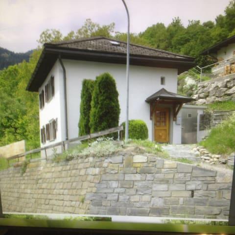 Ferienhaus Schluein - Schluein - Дом
