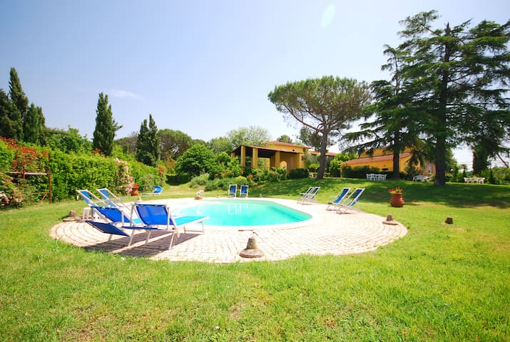 Accogliente appartamento con piscina a Vinci - Valinardi - Daire