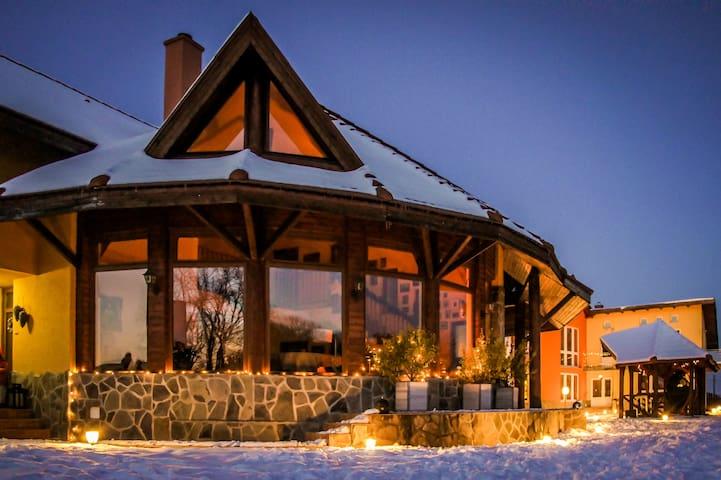 Beautiful Snagov residence 15min from airport - Ghermănești - Huis