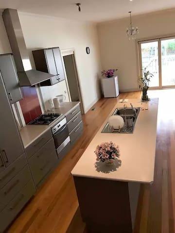 melbourne home - Mont Albert North - Villa