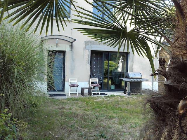 Charmante maison à la campagne - Les Essards - Rumah