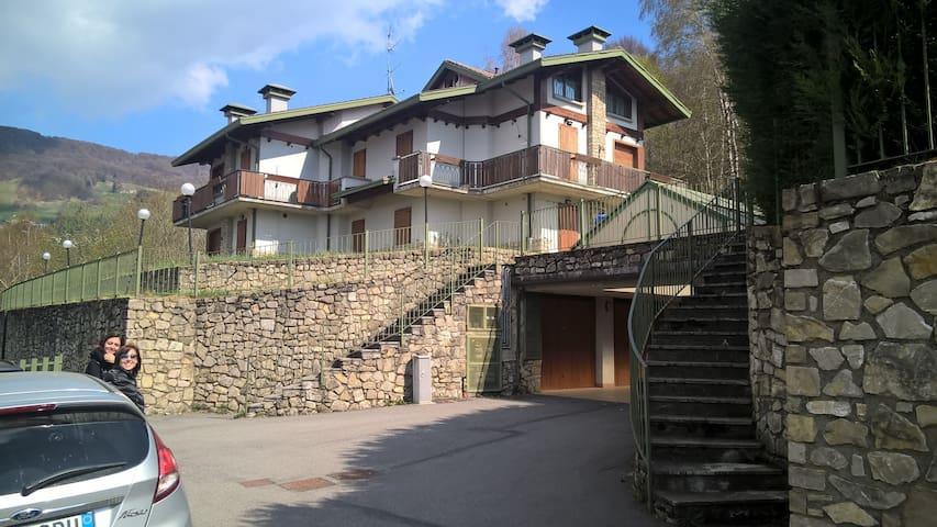 Piano Primo -  Appartamento in villa 8 posti letto - Selvino