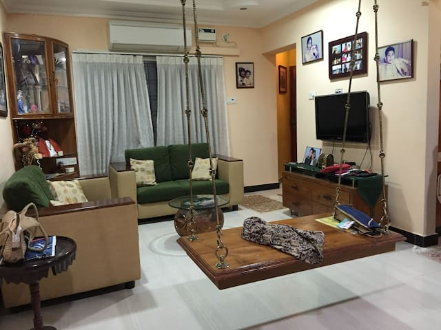 Fully Furnished 1B Apt in Ideal Central Location - Chennai - Appartement