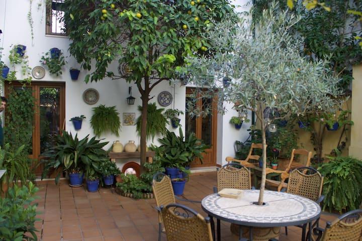 Habitación privada en una Casa-Tradicional - Córdoba - Hus