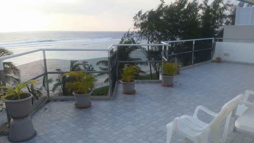 Beachfront Penthouse Apartment - Malé - Appartement