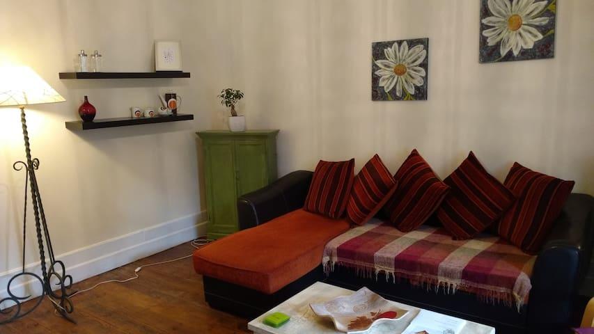 Spacious one Bed Sirach Apartment, - Ria-Sirach - Lägenhet