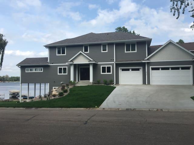 New Lake Home - Prior Lake - Casa