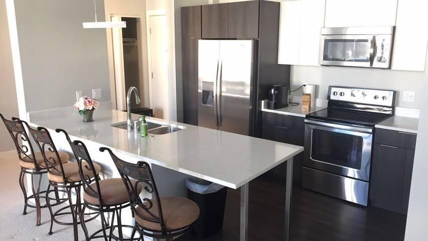 (New) Downtown Milwaukee Getaway, Private Room - Milwaukee - Ortak mülk