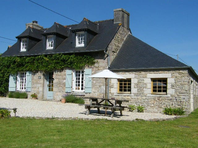 Charming Cottage in the Heart of Brittany - Guerlesquin - Alojamiento vacacional