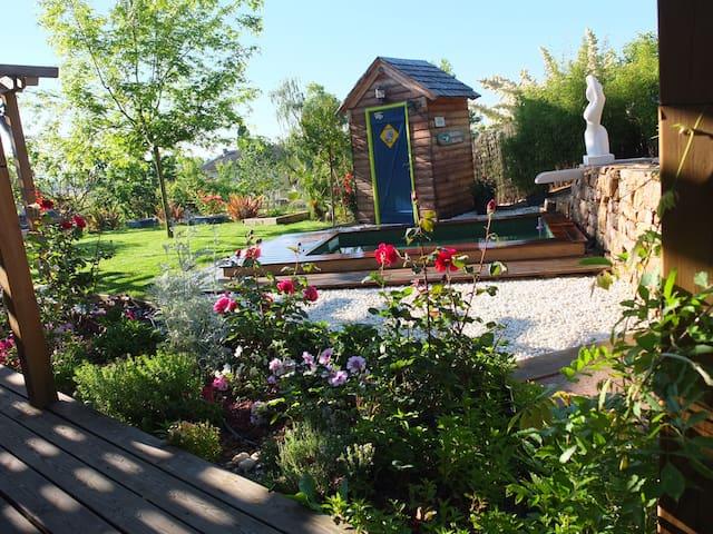 Chambre de charme sur les coteaux de Rabastens - Rabastens - Villa