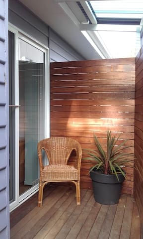 Self contained room private access - Cowes - Huis