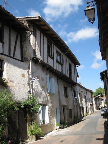 The French House - Saint-Jean-de-Côle - Appartement