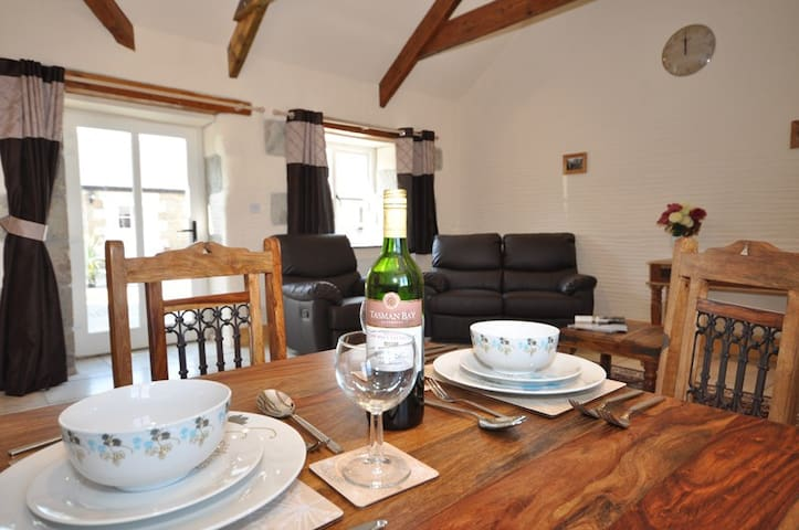 1 Bed Cottage - Disabled Access / Private Hot Tub - Trispen - Haus