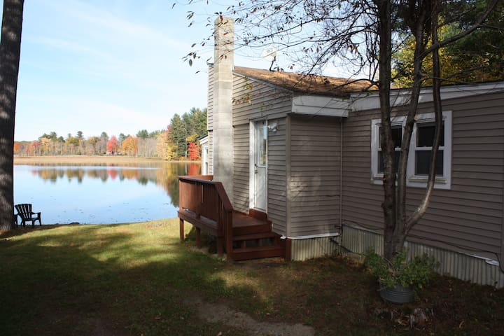 Cozy one bedroom cottage with loft. - West Gardiner - Stuga