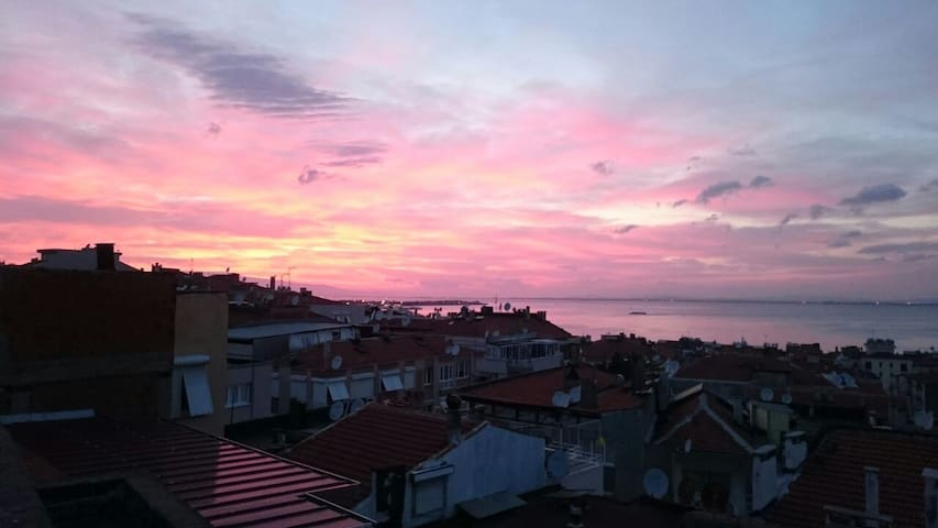 Cosy and comfortable room in central of İzmir. - Esmirna - Apartamento