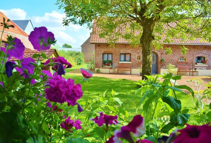 Indep cottage w/linen&tow. WW1 Somme battlefields - Courcelles-au-Bois