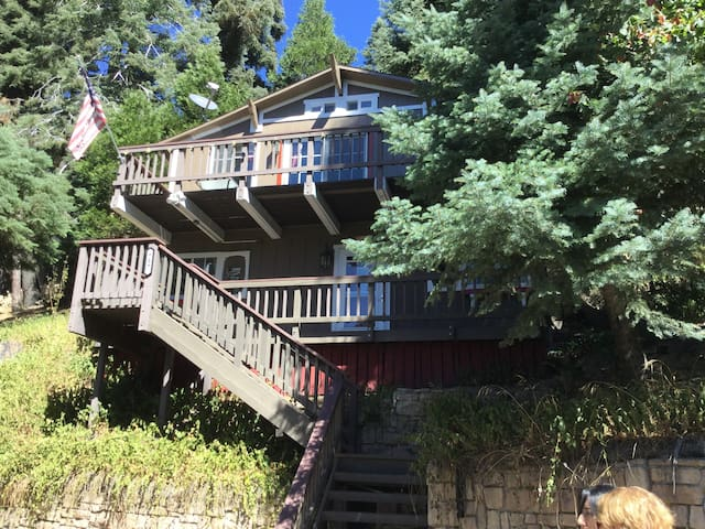 Arrowhead Castle - Lake Arrowhead - Huis